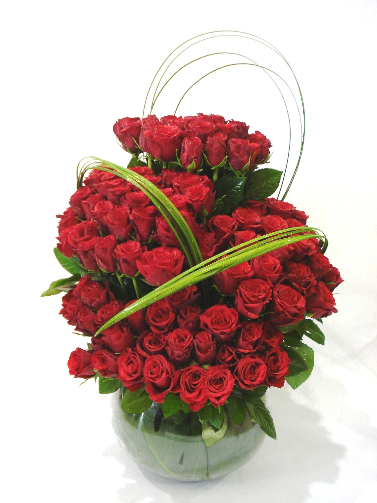 100 Red Roses with Vase